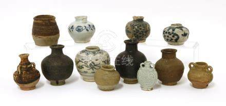 A collection of Chinese jarlets