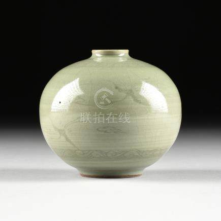 A KOREAN CELADON GLAZED EARTHENWARE OIL BOTTLE, IN THE GORYEO DYNASTY (918-1392) STYLE, the slightly