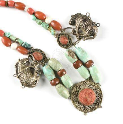 A CHINESE TURQUOISE, CORAL, WHITE JADE, GOLDSTONE, AND PEKING GLASS SILVER PLATED COURT STYLE