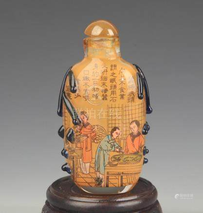 A FINE STORY PAINTED PAINTED GLASS SNUFF BOTTLE