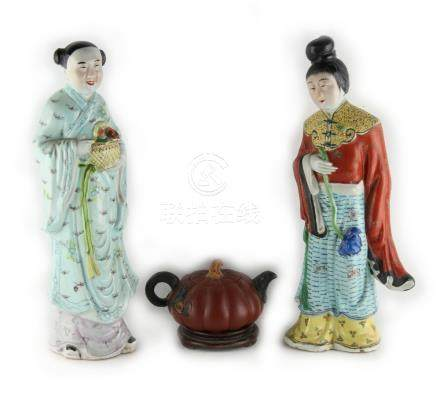 Property of a lady - two Chinese polychrome glazed porcelain figures of ladies, 20th century,