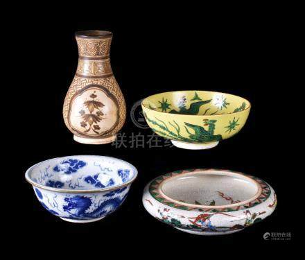 A Chinese 'Famille Verte' bowl