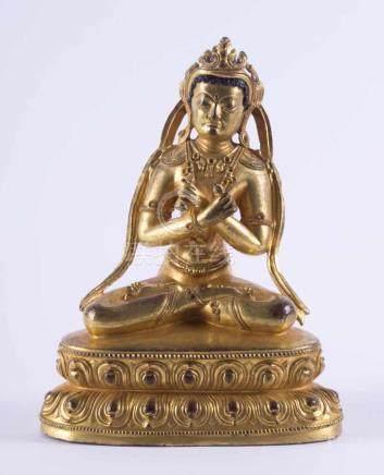 Amitayus Tibeto-Chinesisch 18. Jhd. oder älterBronze feuervergoldet, Bodenplatte erneuert, H: ca. 17