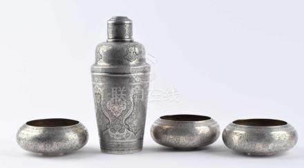 Shaker und 3 Schalen Asfan um 1900Silber gestempelt 81 - 875/000, sehr fein ziseliert, Abd Al