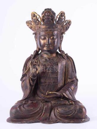 große Guanyin ChinaBronze, im Ming Stil, lackvergoldet, H: 50 cmProvenienz: Alte Deutsche Sammlung.