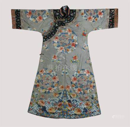 Beautiful silk embroidery lady's robe; Qing dynasty