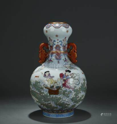 A nice painted famille rose garlic head vase