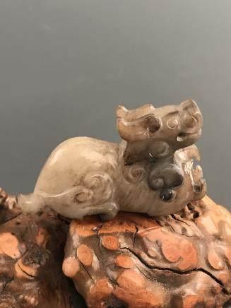 Chinese Jade 'Ruishou' Figure