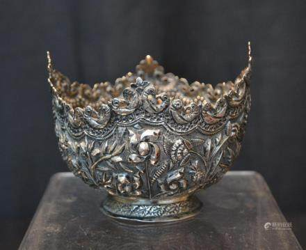 ANTIQUE TIBETIAN BOWL WITH REPOUSSE