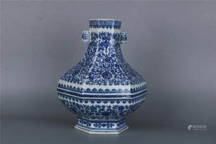 A CHINESE BLUE AND WHITE HEXAGONAL VASE WITH MARK AND OF THE
