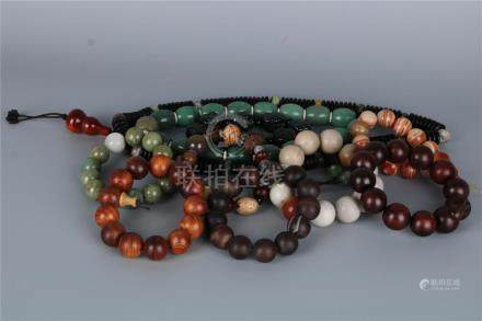 A GROUP OF TEN VARIETY MATERIALS CHINESE BRACELETS, QING DYN