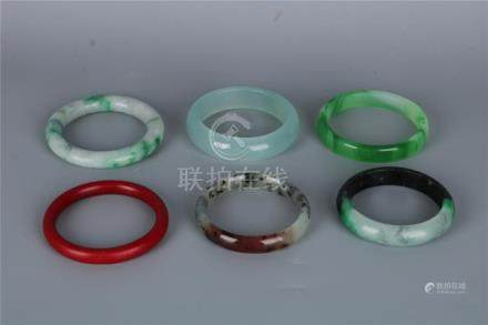 A GROUP OF SIX CHINSESJADE BRACELETS, QING DYNASTY