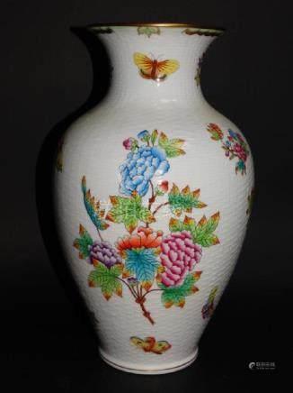 Herend Queen Victoria Pattern Vase