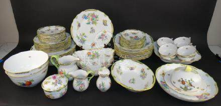"""Large Herend China Set - """"Queen Victoria""""  Pattern"""