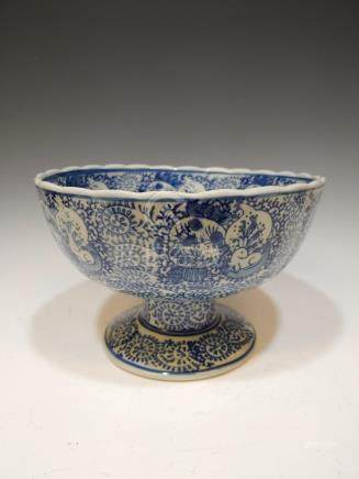 CHINESE BLUE AND WHITE PORCELAIN PEDESTAL BOWL