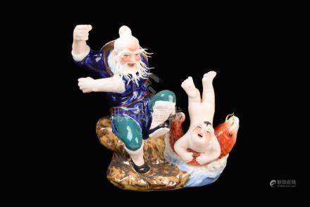 [Chinese] A Famille Rose Porcelain Old Fisherman