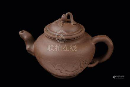 [Chinese] A Yixing Clay Pottery Teapot with Peach