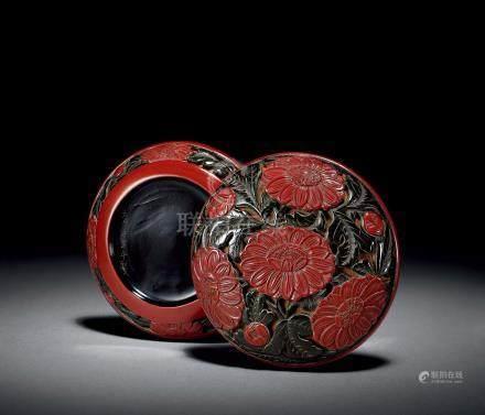 明中期 剔彩菊花紋香盒