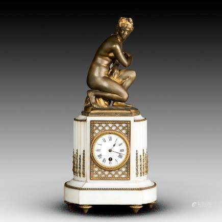A FRENCH BRONZE MANTEL CLOCK, 19TH CENTURY
