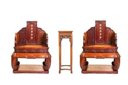 CHINESE HARDWOOD THRONE CHAIRS & TABLE SET (Y)