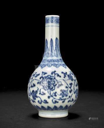清 青花胆瓶