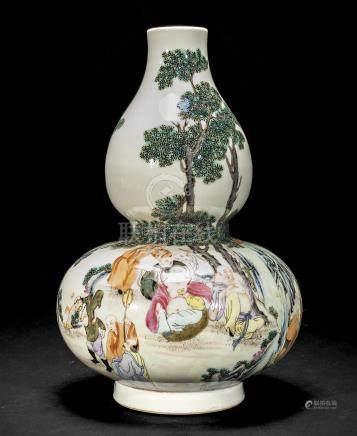 粉彩十八罗汉图葫芦瓶