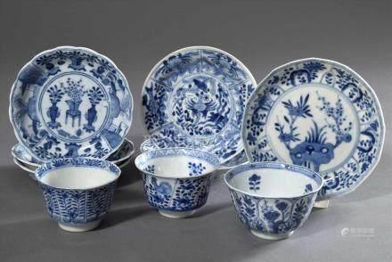 9 Diverse Teile Blaumalerei Porzellan: 6 Teller und 3 Koppchen mit unterschiedlichen Dekoren,