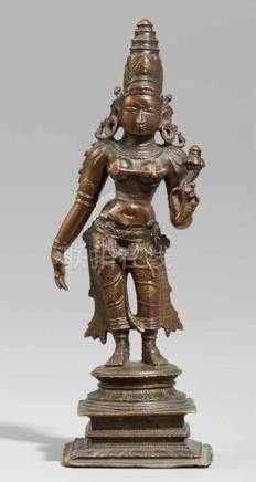 Stehende Shridevi (Lakshmi). Südindien, Nayak-Stil. 17. Jh. oder späterStehend in tribhanga auf