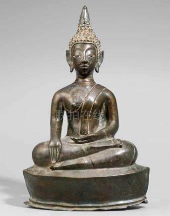 Buddha Shakyamuni. Bronze. Laos. 19. Jh. oder früherIm Meditationssitz auf einem spitz-ovalen,