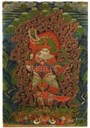 Thangka des Vaishravana. Sinotibetisch. Um 1900Inmitten einer grünen und bergigen Landschaft steht