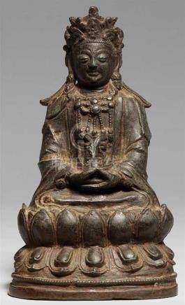 Bodhisattva Guanyin. Bronze. Ming-ZeitIm Meditationssitz auf einem doppelten Lotossockel, die