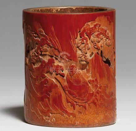 Pinselbecher. Bambus. 18./19. Jh.In versenktem und teilweise durchbrochenem Relief ein Gelehrter und