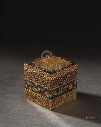 宋代(960-1279) 莳绘三层小盖盒