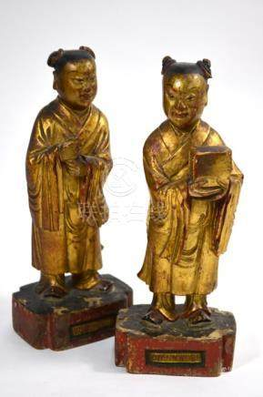 A pair of Chinese wood figures, Qing Dynasty or later