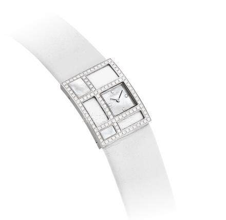 香奈兒,18k白金鑲鑽石長方形女裝婉錶,配貝母錶盤,''1932'',約2005年製