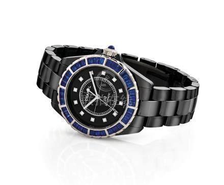 """香奈兒 ,精細,陶瓷鑲鑽石及藍寶石自動上弦鏈帶腕錶,配中心秒針,""""J12 Automatic"""",約2012年製"""