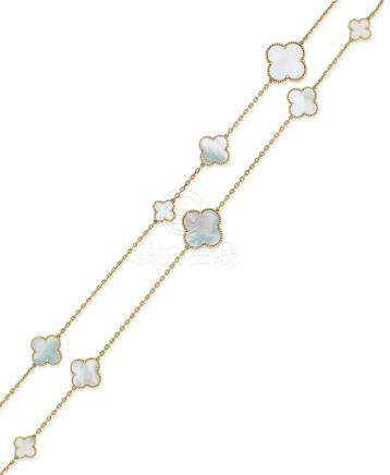 貝母「Alhambra」項鍊Van Cleef & Arpels設計
