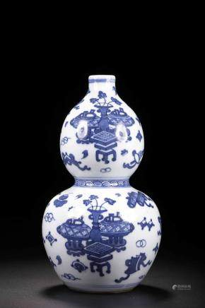 Qing mark Blue and white gourd bottle