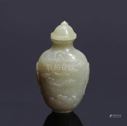 CHINESE WHITE JADE SNUFF BOTTLE EARLY 20TH CENTURY