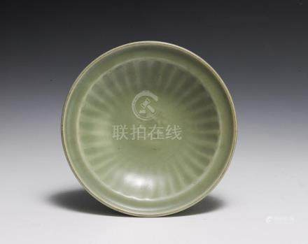 CHINESE LONGQUAN-STYLE CELADON PLATE, MING