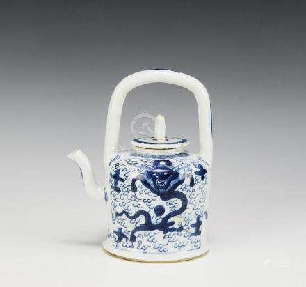 BLUE & WHITE DRAGON TEA POT, 18TH CENTURY