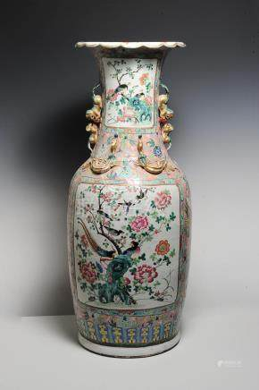 LARGE FAMILLE ROSE VASE, 19TH CENTURY