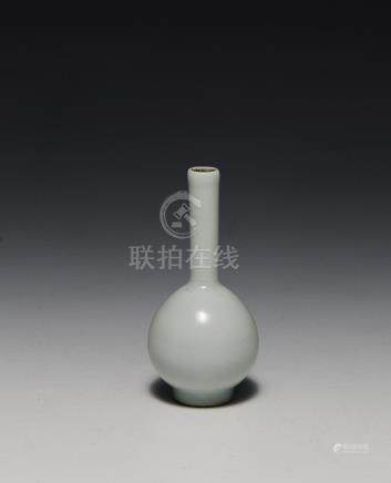 CHINESE PALE BLUE LONG-NECKED VASE, REPUBLIC