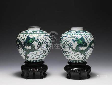 PAIR OF 19TH CENTURY PORCELAIN DRAGON VASES ON STANDS