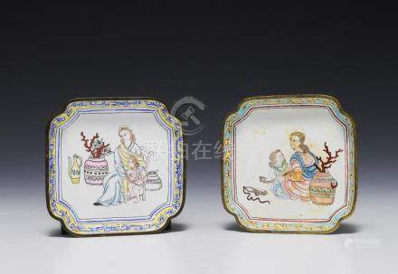 PAIR OF ENAMEL & BRONZE TRAYS, 18-19TH CENTURY