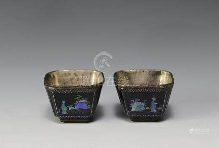 PAIR OF LACQUER CUPS INLAID W/ SHELL, 17TH CENTURY