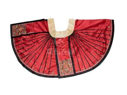 CHINESE RED SILK SKIRT, 19TH CENTURY