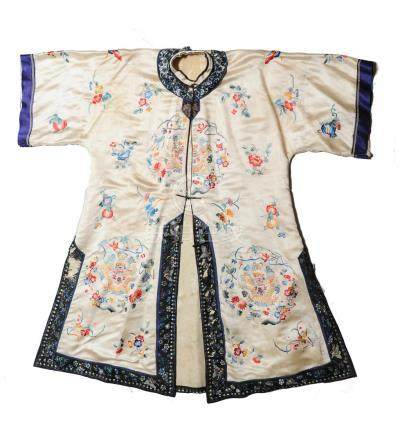 CHINESE WHITE GROUND LADIES ROBE, REPUBLIC