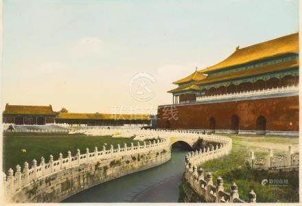 SEVENTEEN HISTORICAL PHOTOS OF THE FORBIDDEN CITY AND THE SUMMERPALACE.