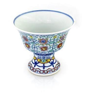 Polychrome porcelain cup